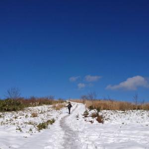 雪景色のトレッキング