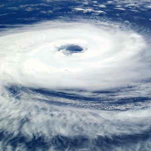 台風のたまご3つ並んだ!日本への影響は?台風13号レンレン発生