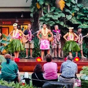 ハワイ フラダンス観ました!無料で30分!おトクでした!
