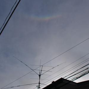 アンテナ上空に出現した光の帯