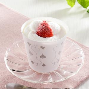 くちどけのよいスポンジ『ローソン CUPKE とろけるクリームの苺ショート』