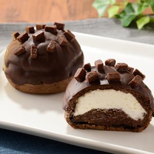 生チョコダイスをトッピング『ローソン ガトシュー -生クリーム入りガトーショコラシュー-』