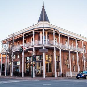 フラッグスタッフのホンテッドホテル👻:ウェザーフォード・ホテル(The Weatherford Hotel)