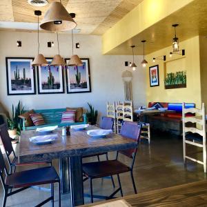 ニューメキシコ・スタイルのレストラン:ゴースト・ランチ(Ghost Ranch)