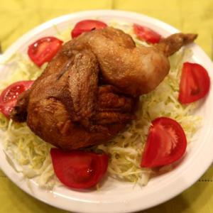 たつみ食堂の名物「ジャンボ鶏」をテイクアウト