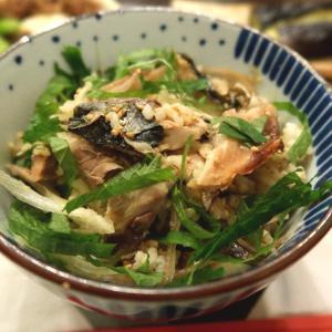 青魚好きに嬉しい、焼きサバの香り混ぜご飯