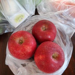 今年最初のりんご「恋空」が到着