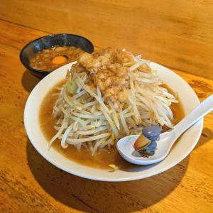 【秀逸】三十郎 濃密激ウマド乳化スープが絶品の二郎インスパイア!