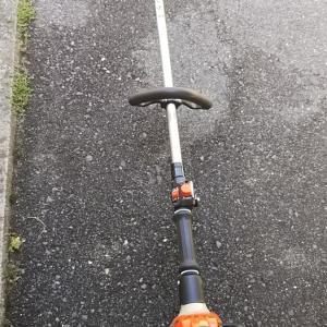 草刈り機で遊ぶ。【共立】SRE2420LT