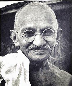 【第二十回】知っているでしょうか。『日本の全ての方々へ』・『非暴力』(マハトマ・ガンジー/著)