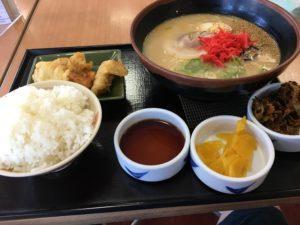福岡で大型トラックやトレーラーが停められる食事処