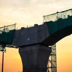 インドネシア高速鉄道、結局どうすんの?