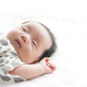 赤ちゃんの頭の形をよくしたい!向き癖を矯正する枕3選!