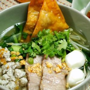 タイ風ラーメン「センレック・ナーム」だって格上の味!