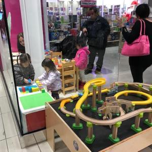 雨の日に子供が遊べる場所-おもちゃ屋さん編-