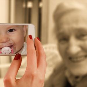 コロナ自粛は老化を促進する?