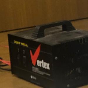 新しい充電器。ディープサイクル充電