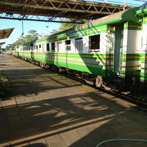 タイの鉄道に乗る32【普通489列車スラータニ~キリラッタニコム】