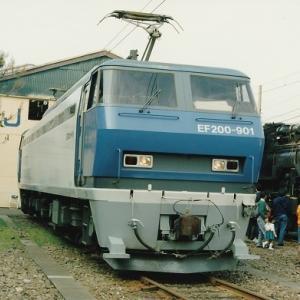 EF200とシキ800が京都鉄道博物館で展示!