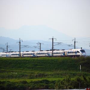 JR九州 長崎本線 885系 特急白いかもめ 「サガン鳥栖ラッピング」 バルーンさが駅