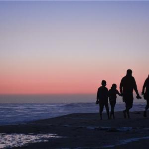 なぜ海外移住に「永住権が必要」なのか。子供を主役に考えるのも重要。