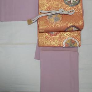 灰桜の色無地に華紋の袋帯でお勉強会へ
