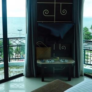 ベイビーチリゾートジョムティエン滞在記。ビーチが目の前にある朝食の美味しい大人向けホテル。