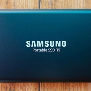【レビュー】Samsung T5(1TB)。超軽量な外付けSSD で娘や家族との思い出を持ち歩く。
