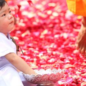 国際結婚で悩む子どもの名前。夫婦別姓だと名字はどうなる?漢字またはカタカナ?ミドルネームってどうなの?