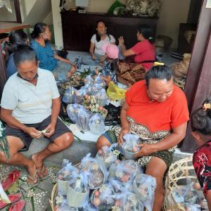バリ島の伝統儀式ポットンギギ(歯を削る儀式)の準備が始まりました〜