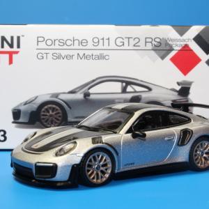 MINI GT ポルシェ 911 GT2 RS シルバーメタリック 1/64スケール