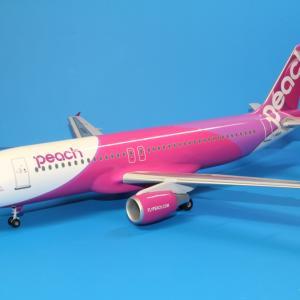 エバーライズ ピーチ A320-200 JA801P 1/100スケール