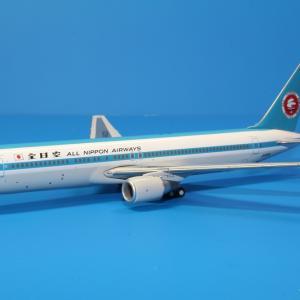 全日空商事 ANA B767-300 モヒカンジェット JA602A 1/400スケール NH40046