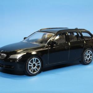 マジョレット BMW 5シリーズ ツーリングワゴン 1/61スケール