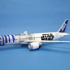 全日空商事 ANA B787-9 R2-D2モデル JA873A 1/400スケール