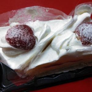 苺のショートケーキ、食らひたりけるなり