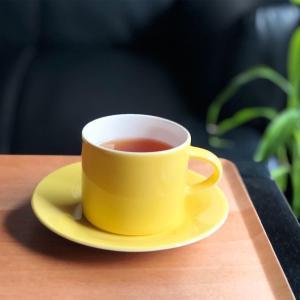 ARABIA colors(カラーズ)のカップアンドソーサー イエロー◎アラビアフィンランドの廃盤食器𓇼