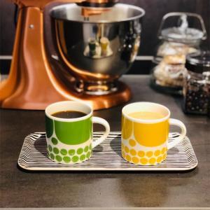 ARABIA スンヌンタイのイエロー&グリーン マグカップ◎たっぷり入る350ml 𓇼