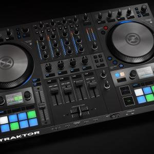 Native Instruments TRAKTOR KONTROL S4 MK3 [DJコントローラー]