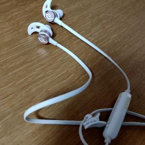 Bluetoothイヤホンをズボンのポケットに入れたまま洗濯機で洗ってしまいました(๑ŏ _ ŏ๑)