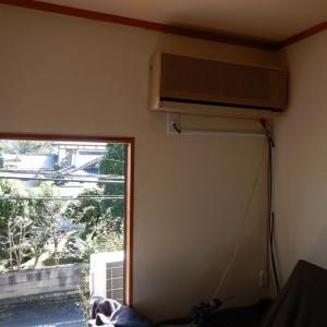 屋根上架台のズレ防止をして、2階エアコンを設置