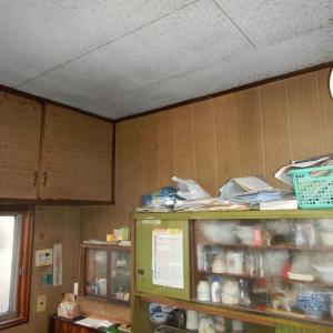吊戸棚をかわして、ダイニングキッチンにエアコンを新設