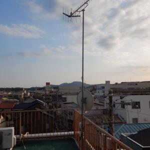 屋上の防水リフォーム工事のためにアンテナを下階に移設