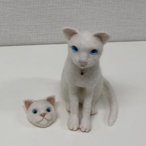 白猫&白猫ブローチ