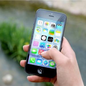 留学生の携帯電話