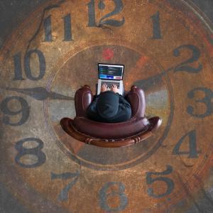 """""""時間は未来から過去に流れている"""""""