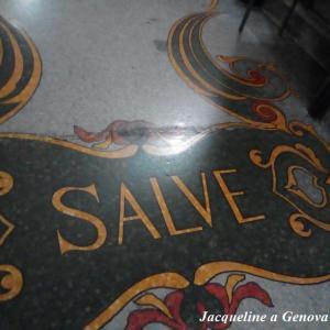 挨拶Salveとリバティ様式のモザイクの床☆