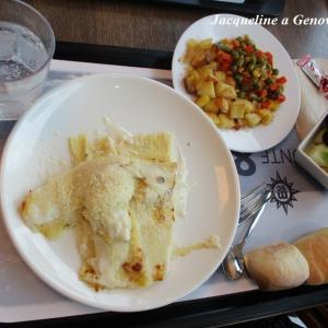 社食ランチ(チーズグラタン風クレープのプリモ+2種類のコントルニ/副菜)