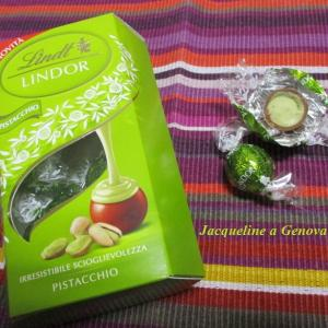 ピスタチオクリーム入りチョコレート♪LINDOR By. Lindt