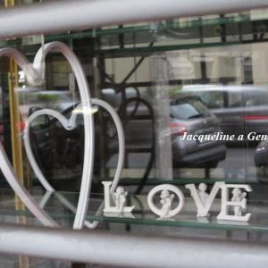 アフターバレンタイン♡休業日のパスティチェリアのショーウィンドー